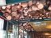 Restaurant-mit-Kupfertoepfen