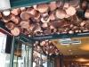 Restaurant mit Kupfertoepfen