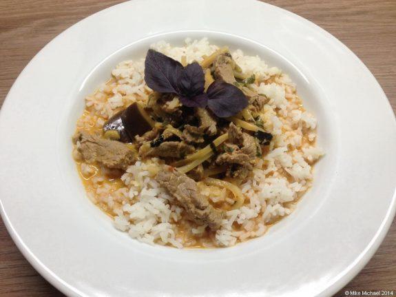 Rindercurry mit Aubergine und Kokosmilch